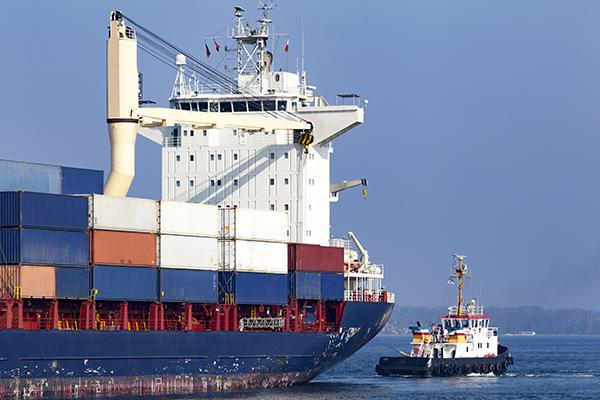 Containerschiff auf dem Nord-Ostsee-Kanal